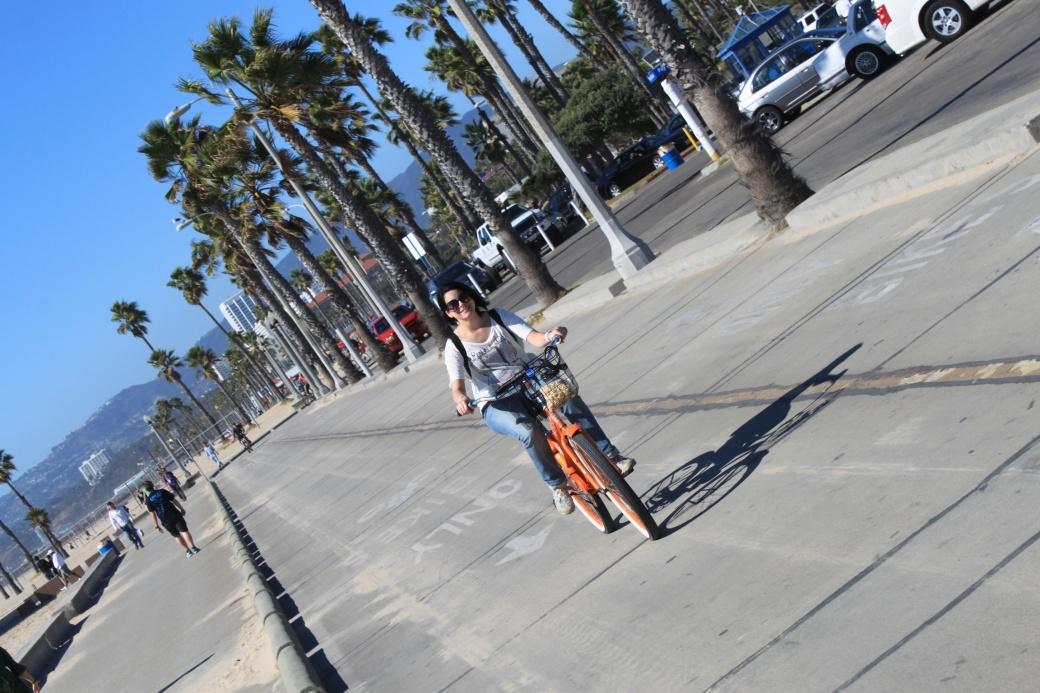 Bici-los-angeles-venice-beach-una-chica-yeye